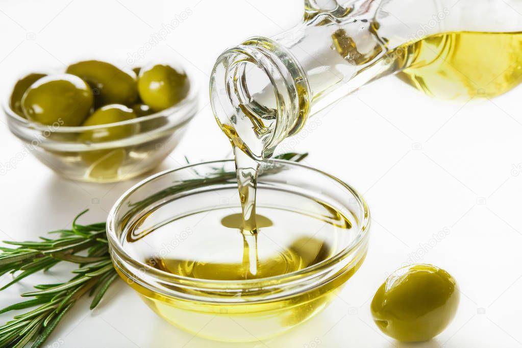 depositphotos_264367746-stock-photo-olive-oil-and-olives-in